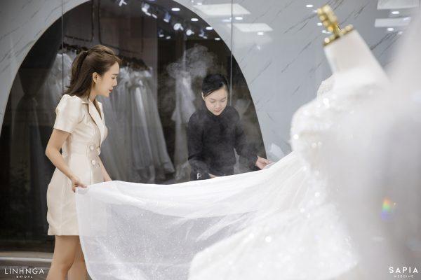 Ngắm nhìn chiếc váy cưới của Khánh Linh tại Hà Nội: Lộng lẫy chuẩn váy cưới trong mơ của mọi cô gái