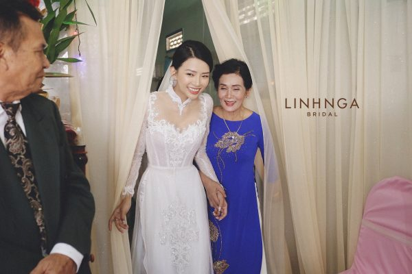 Áo dài cưới vợ Phan Mạnh Quỳnh